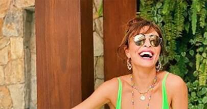 """Aos 41 anos, Juliana Paes exibe plenitude e saúde na praia: """"Que mulher"""""""