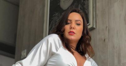"""Ex-BBB Maria Cláudia posa em frente ao espelho e manda recado: """"Valorize uma mina"""""""