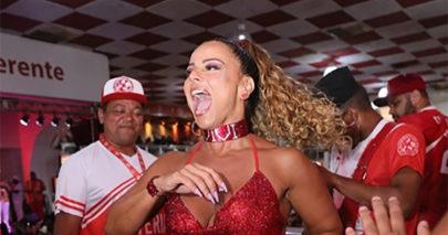 Viviane Araújo compartilha vídeo de ensaio carnavalesco e chama atenção