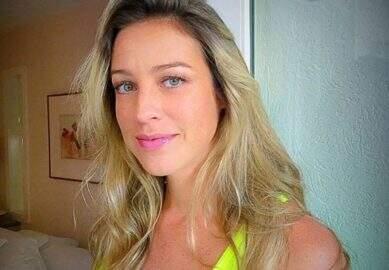 """Luana Piovani curte dia de sol com os filhos e admite: """"Sou rica e me achei linda"""""""