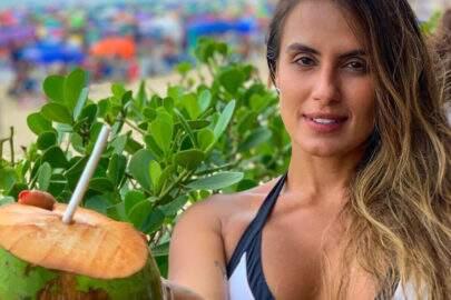 Ex-BBB Carol Peixinho choca internautas ao exibir boa forma em cenário paradisíaco