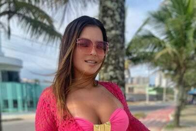 """Geisy Arruda esbanja saúde em clique de verão: """"Dando zoom fica melhor"""""""