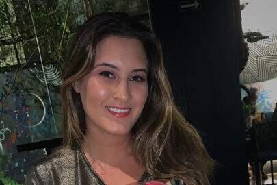 "Beatriz Bonemer mostra seu look carnavalesco e brinca: ""Espontânea"""