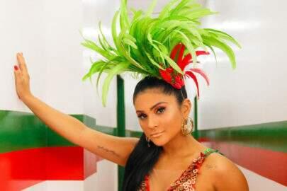 """Mileide Mihaile esbanja boa forma em clique de carnaval e encanta: """"Beleza pura"""""""