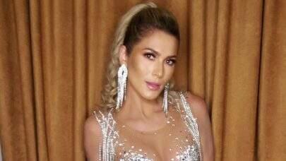 Lívia Andrade surge com look neon e leva internet à loucura