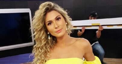 """Lívia Andrade deixa seguidores sem fôlego com clique de Carnaval: """"Preparados?"""""""