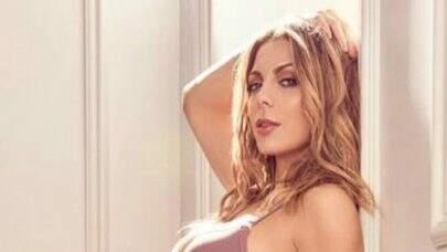 """Sheila Mello quebra internet ao exibir boa forma em look diferenciado: """"U-A-U!"""""""