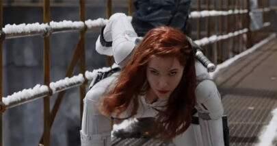 Viúva Negra encontra família de agentes russos em novo teaser