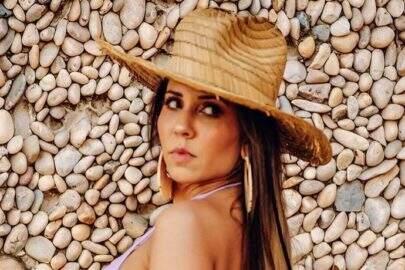 """Mulher Melão lamenta quarentena em foto de ensaio: """"Triste"""""""
