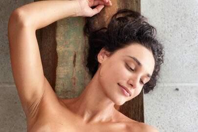 Após publicar foto ousada, Débora Nascimento rebate críticas