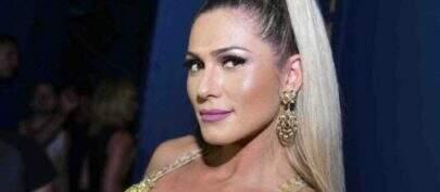 Lívia Andrade exibe look para apresentar programa 'Fofocalizando' e dá o que falar