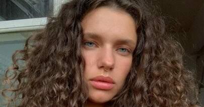 """Bruna Linzmeyer compartilha clique de verão e declara: """"Sextou"""""""