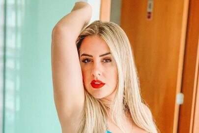 """Patrícia Leitte posta foto em clima de romance com namorado: """"Dia do beijo"""""""