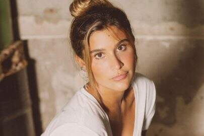 Filha de Flávia Alessandra, Giulia Costa choca ao posar como veio ao mundo