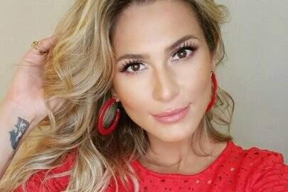 """Lívia Andrade posa ao ar livre com clique poético e encanta: """"Liberdade"""""""