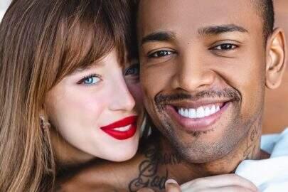 Nego do Borel faz tatuagem com o nome de Duda Reis para comemorar Dia dos Namorados