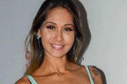 """Mayra Cardi pede ajuda inusitada no Instagram e viraliza: """"Alguém me ajuda?"""""""