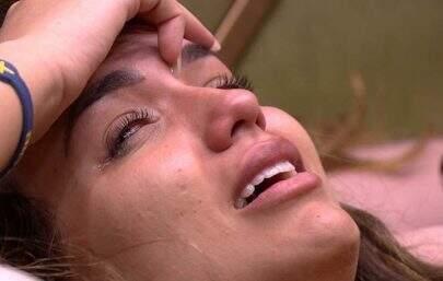 """BBB20: Rafa chora sozinha e se pergunta: """"O que estou fazendo de errado?"""""""