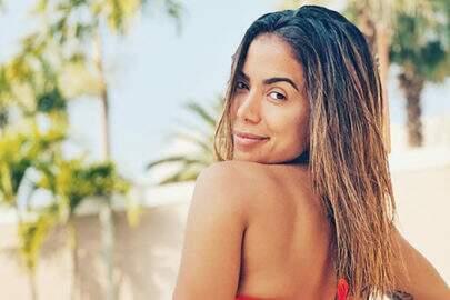 """Leo Dias diz que Anitta pediu para que ele falasse mal de Bruna Marquezine: """"Me chantageou"""""""