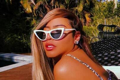Rafaella Santos, irmã de Neymar, renova o bronzeado com óculos chamativo