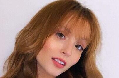 Larissa Manoela posta novo clique cheia de estilo e encanta seguidores