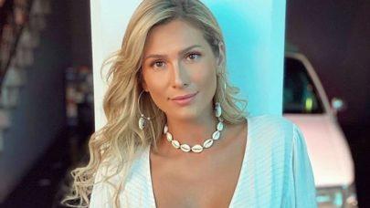Lívia Andrade posta clique tomando sol e boa forma chama atenção