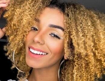 """Brunna Gonçalves renova bronzeado em domingo de sol: """"Vitamina D"""""""