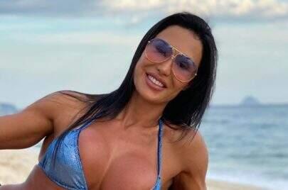 Gracyanne Barbosa choca seguidores com flexibilidade em treino