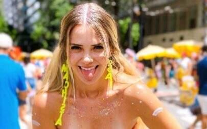 "Ex-BBB Marcela Mc Gowan exibe estrias e dispara: ""Eu me escondia na praia"""