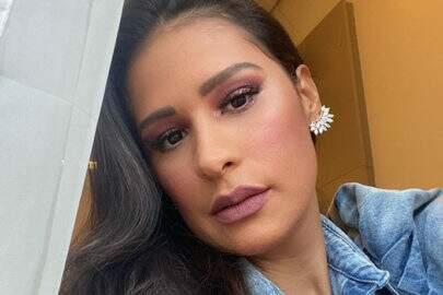 """Simone mostra look encantador e promove live: """"Saudades"""""""