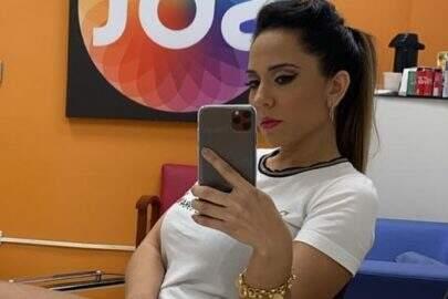 """Mulher Melão faz ensaio durante treino de boxe e dispara: """"Pronta pro combate"""""""
