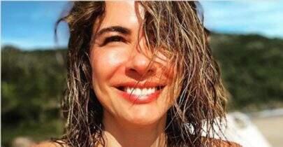 Aos 50 anos, Luciana Gimenez exibe corpo definido e leva web à loucura