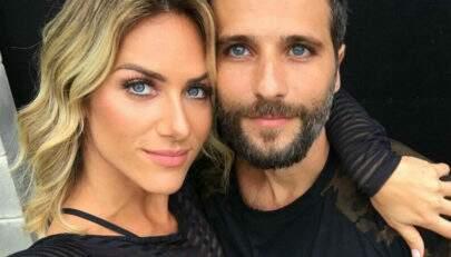 Filha de Gio Ewbank flagra a mãe com Bruno Gagliasso em momento inusitado