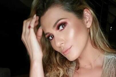 Lívia Andrade esbanja saúde em sequência de cliques impressionantes
