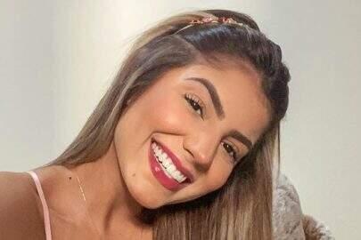 Ex-BBB Hariany Almeida chama atenção dos seguidores com shape sarado