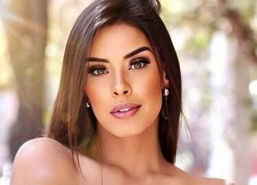 """Ivy Moraes exibe maiô diferenciado e fã dispara: """"To hipnotizado!"""""""