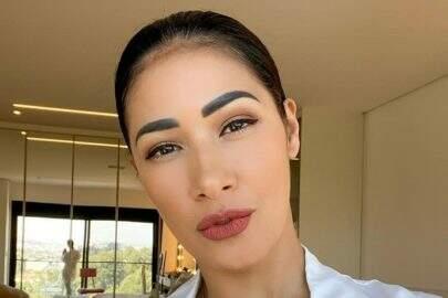 """Simaria choca internet ao esbanjar beleza natural em selfie: """"Sem defeitos"""""""