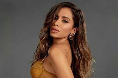 Anitta mostra boa forma ao anunciar nova coleção de roupa