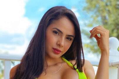 Juliana Caetano se reúne com amigas para divulgar reality show