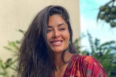 """Aline Riscado curte dia ao ar livre e esbanja boa forma nos stories: """"Sempre linda"""""""