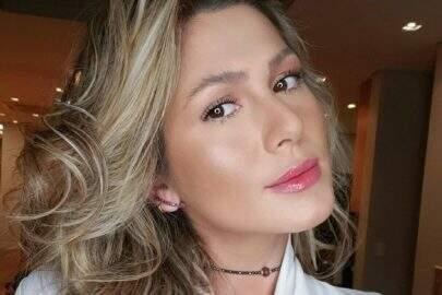 Lívia Andrade renova o visual e deixa seguidores apaixonados com sequência de fotos