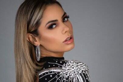 """Lexa esbanja boa forma com look brilhante revelador e fãs elogiam: """"Produção de rainha"""""""