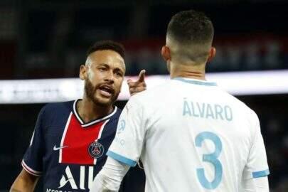 Neymar recebe apoio de famosos após denunciar racismo em jogo