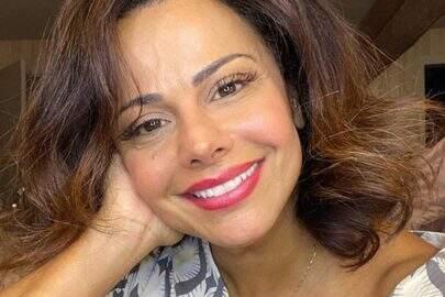 "Viviane Araújo relembra look de carnaval e brinca: ""Doida pra me montar"""