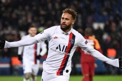 """Neymar Jr. diz que está curado da Covid-19: """"O pai tá on"""""""