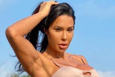 """Gracyanne Barbosa choca internet com forma fitness: """"Minha inspiração"""""""