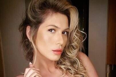 """Lívia Andrade posta clique poético e comenta sobre signo: """"Tão marrenta"""""""