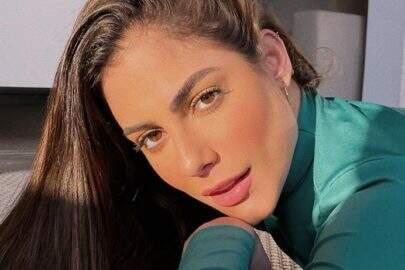 """Ex-BBB Mari Gonzalez surge à vontade em foto e recebe elogios: """"Bem conceitual"""""""