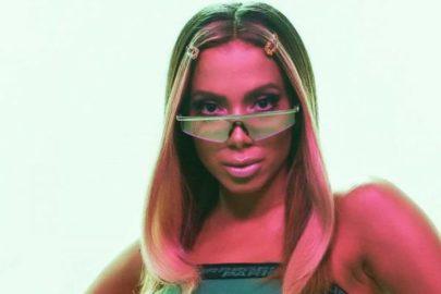 """Anitta exibe curvas em look diferenciado e web vai à loucura: """"Estilo demais!"""""""