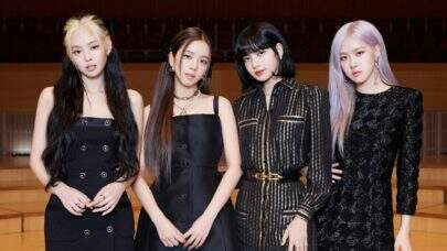 Integrantes do BLACKPINK cantam sucessos de músicas pop